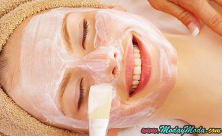 Leche y almendras exfoliante para una piel suave